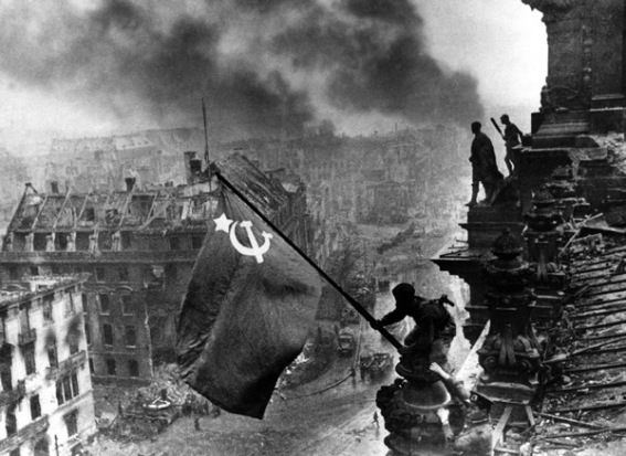 Liberating Berlin photo by (Jewish) Soviet Yevgeny Khaldei, From InText