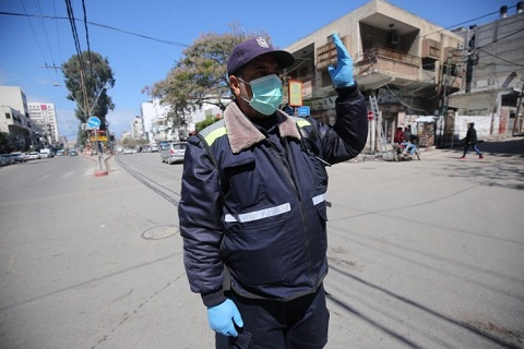 Citizens in Gaza start wearing masks and gloves after declaring coronavirus cases